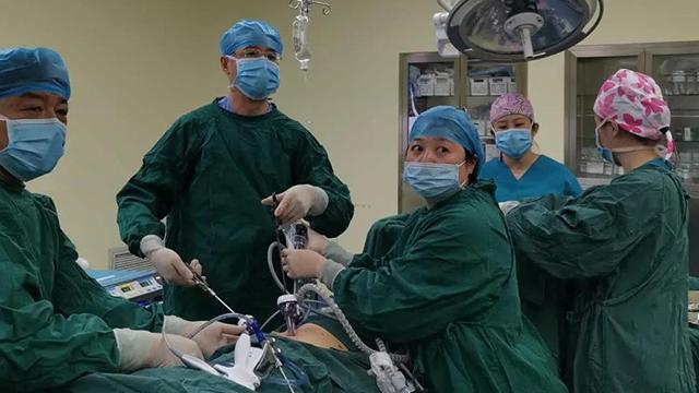 完整切除12厘米巨大肿瘤!10小时生死搏斗,创造生命奇迹!